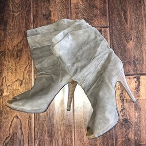 Max Studio size 10 slouch heels